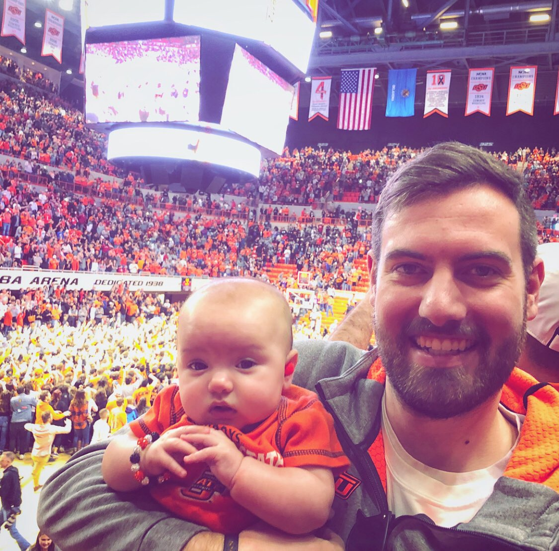 Maggie's first @OSUMBB game was a great one! #Bedlam #GoPokes https://t.co/kCM6UALQO2