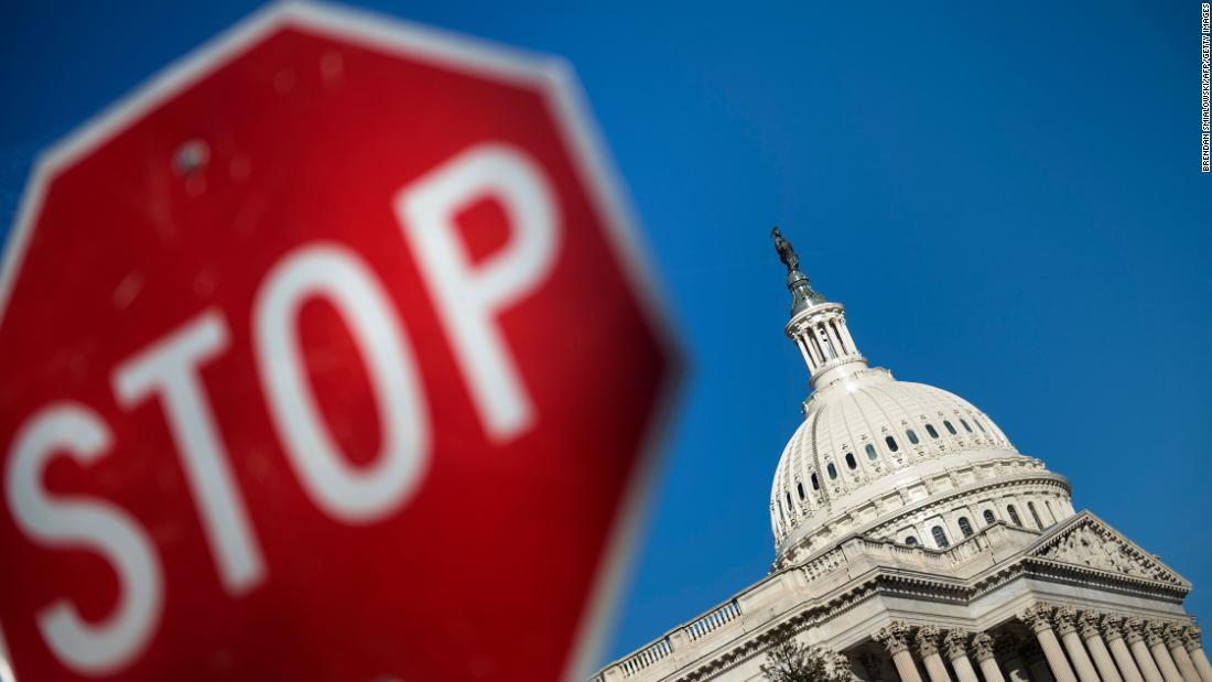Lawmakers scramble for a deal amid shutdown-DACA 'chaos' https://t.co/Rgmpu47rpP https://t.co/gfHnqPTQxg