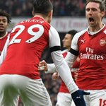 Arsenal see off Palace without Sanchez as Manchester United close on  Manchester City