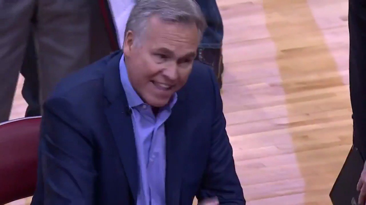 Mike D'Antoni is 'WIRED' on #NBAonABC!   Tune in to see what happens down the stretch! https://t.co/88DndZmfEq