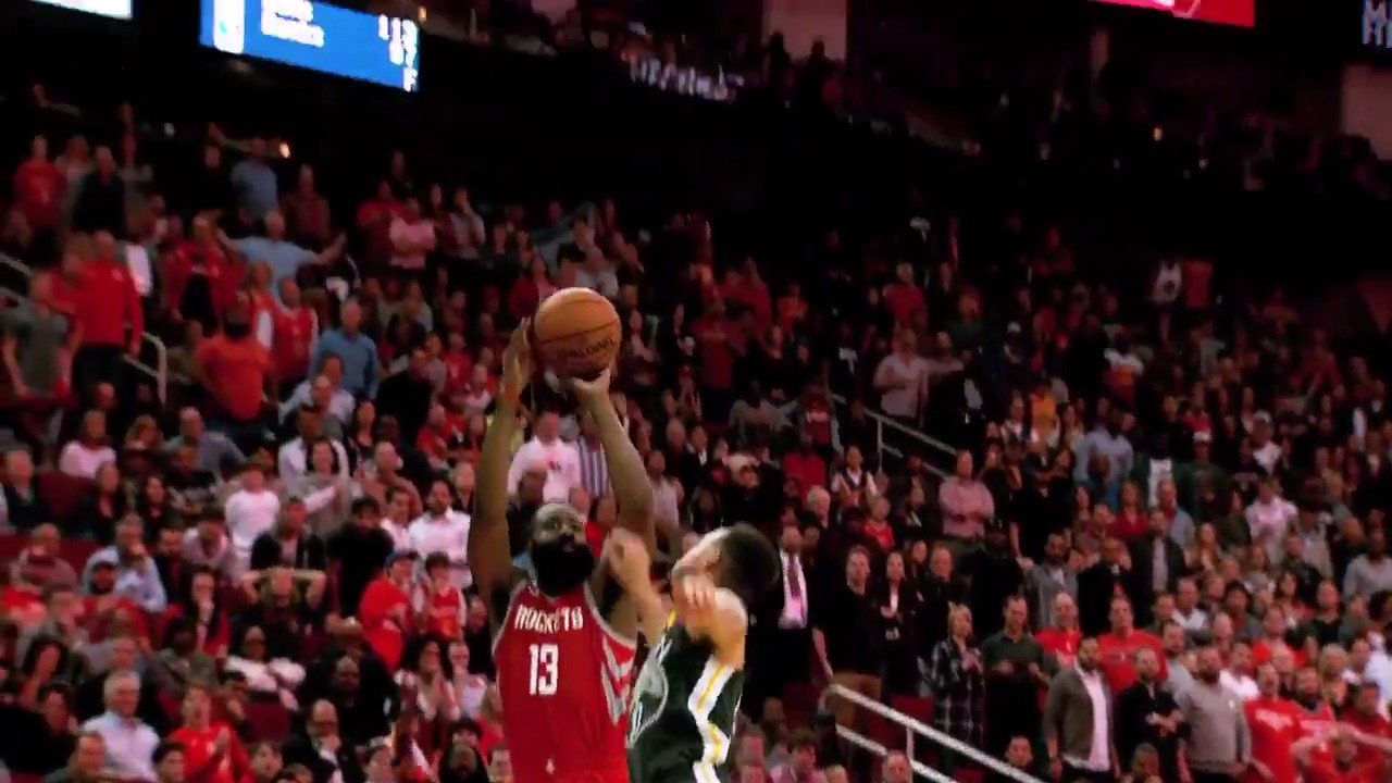 #JamesHarden with the clutch step back three to seal the victory!  #Rockets #PhantomCam https://t.co/ara18HQhwC