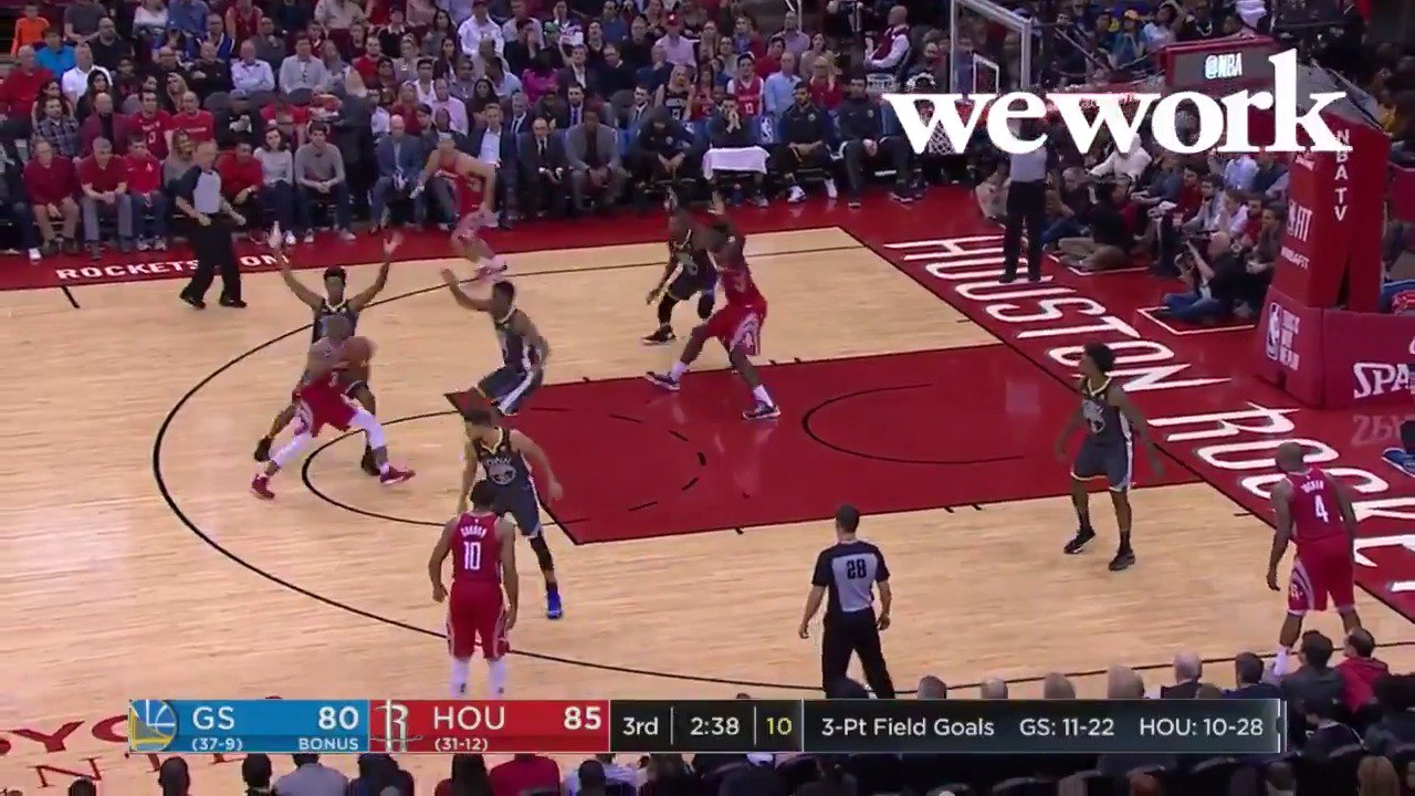 CP3 finds Capela for the finish! Working together and grabbing a big win at home.   This is why @WeWork! #WorkWeLove https://t.co/TMPdObIDvh