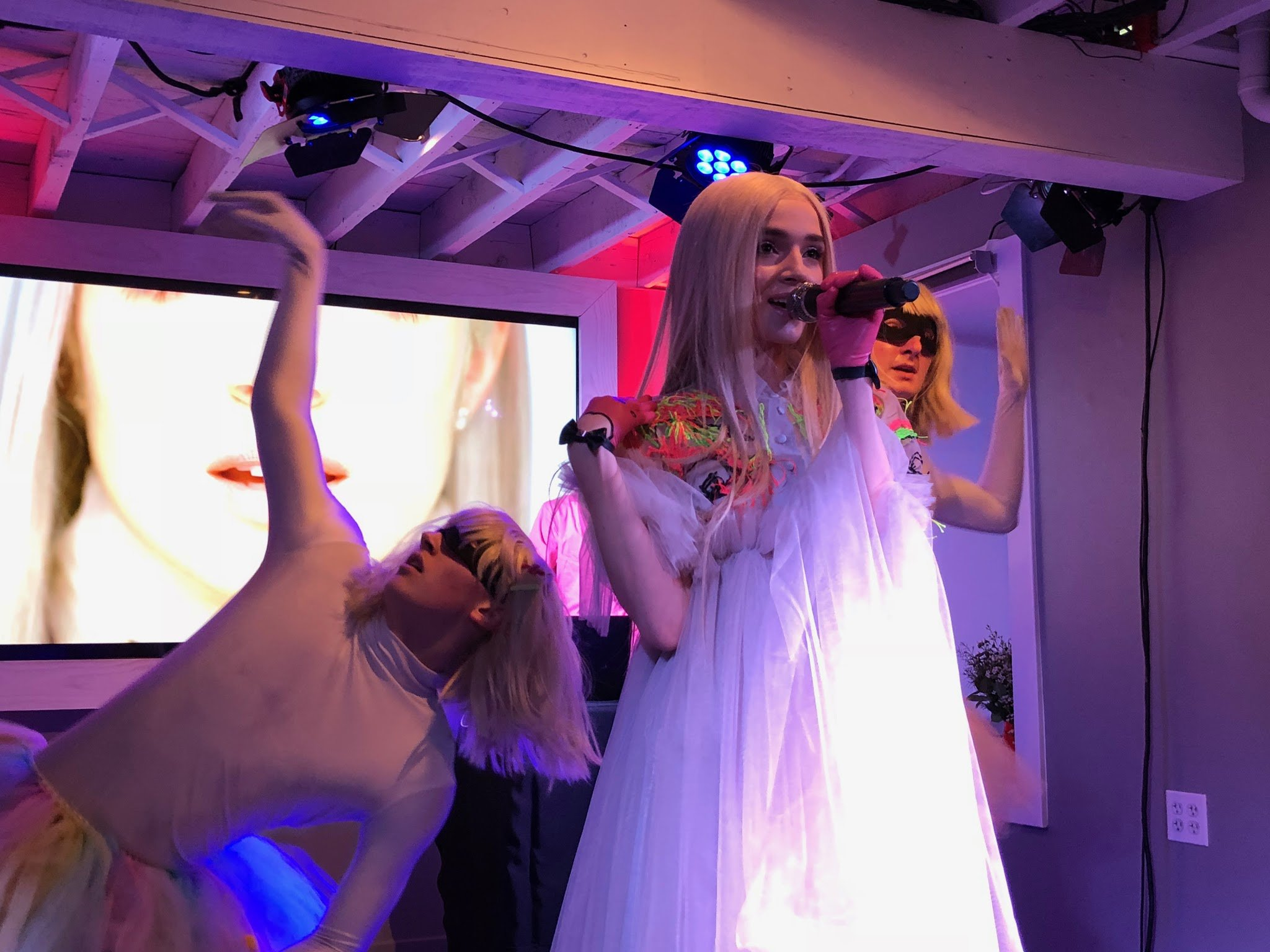 .@Poppy came to party at the YouTube House and didn't disappoint. #YouTubexSundance https://t.co/B4xj6RmVi9