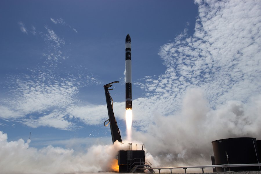 Rocket Lab delivers nanosatellites to orbit on first successful test launch, likely clearing the way for the start of commercial service in the coming months. https://t.co/6Apsz28Qmr https://t.co/QY4DWFMU5e