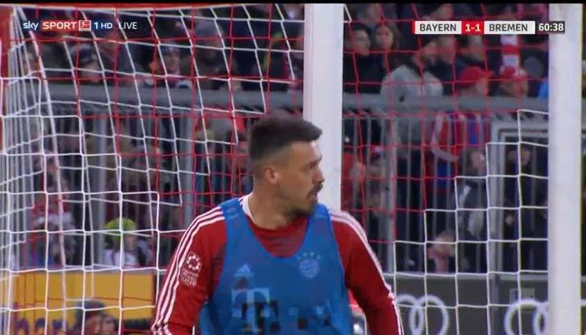 Sandro Wagner warming up https://t.co/pQubLwrIcJ