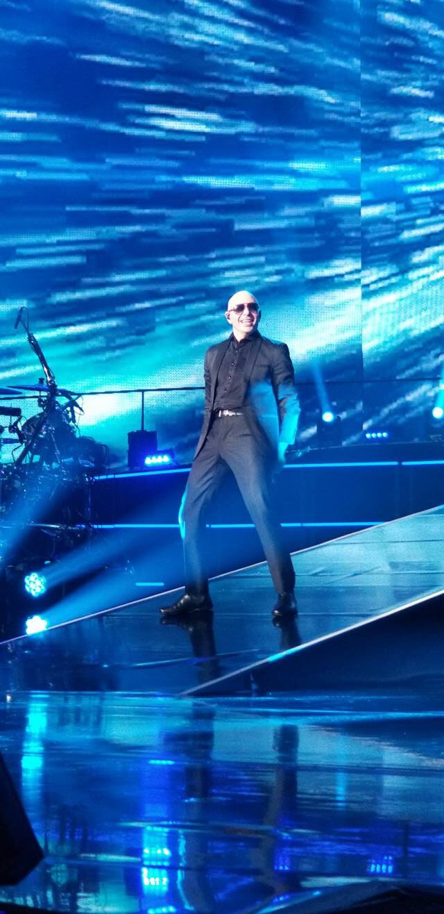 .@Pitbull performing at 'Time Of Our Lives' (Show 3) at @TheAXISTheatre last night! (January 20, 2018) #PitbullVegas https://t.co/R4KQKVviiw