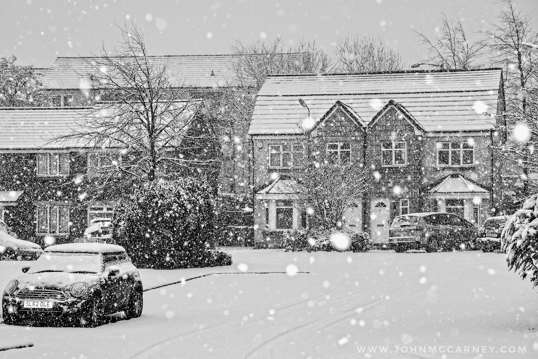 Obligatory Glasgow Snow Scene  #onthebandwagon #photography #StormHour Website: https://t.co/J7yVH0Nmc7 https://t.co/wxErMMzIYM