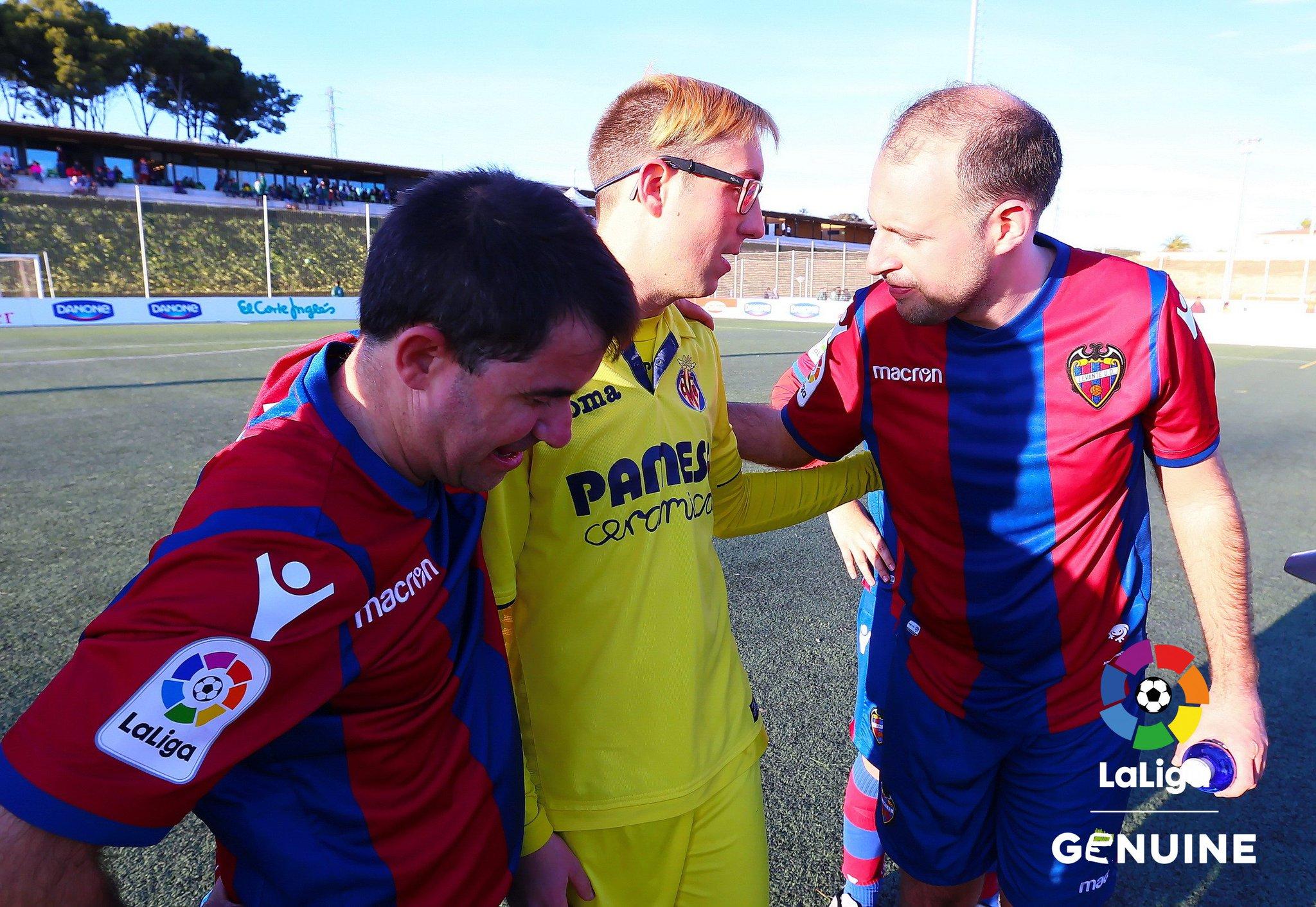 Porque sin #fairplay no se entiende el fútbol en #LaLigaGenuine... ��  �� @LevanteUD ⚽ @VillarrealCF �� https://t.co/X5oY6d6PgX