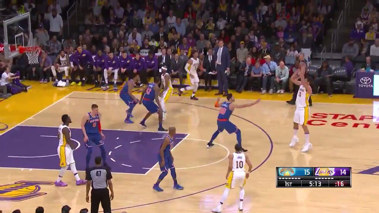 Brook Lopez is feeling it from deep!  #LakeShow   Watch all of the action for FREE: https://t.co/2pt5MyD8rh https://t.co/DzSIiSMObf