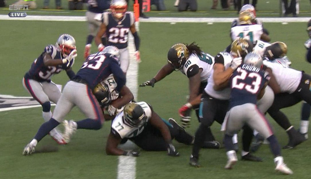 Jacksonville. Is. Rolling.   Leonard Fournette PLOWS into the end zone and the Jaguars lead 14-3. https://t.co/uQINa4humm