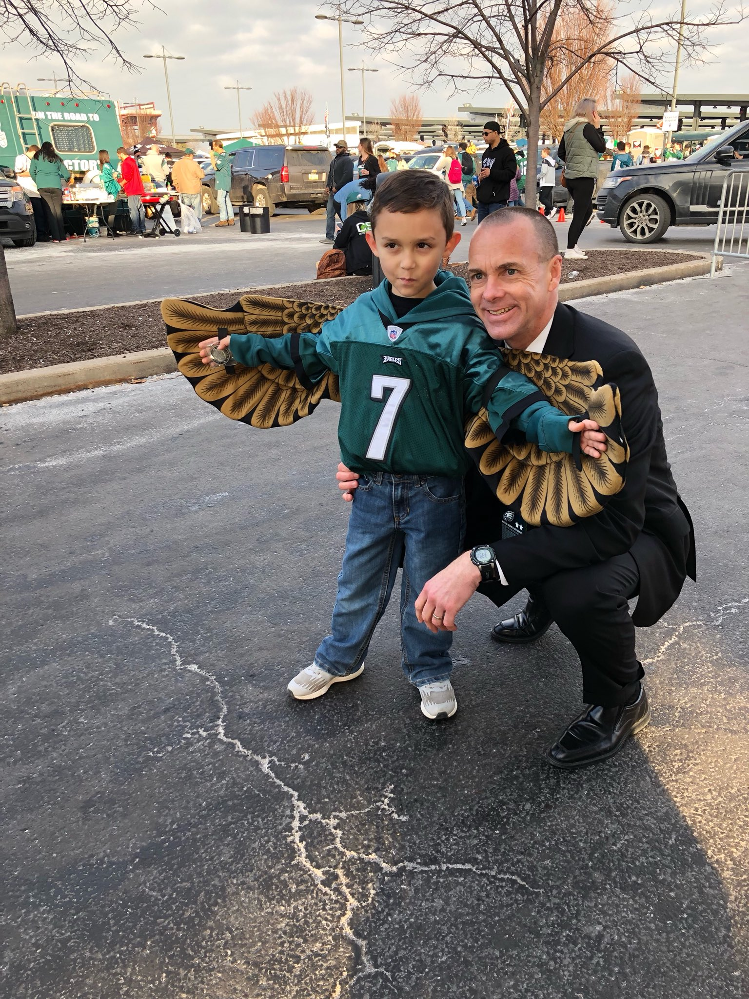 #Eagles president Don Smolenski with our @pickNRG Fan of the Game! #PowerPhilly https://t.co/5w0brN9KON