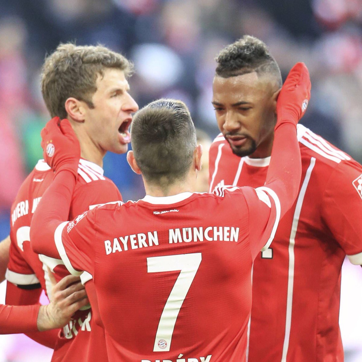 RT @JB17Official: We don't stop 👊🏽 Not a beautiful one but we take the three points ✔ @FCBayern https://t.co/AowtIqvsdi