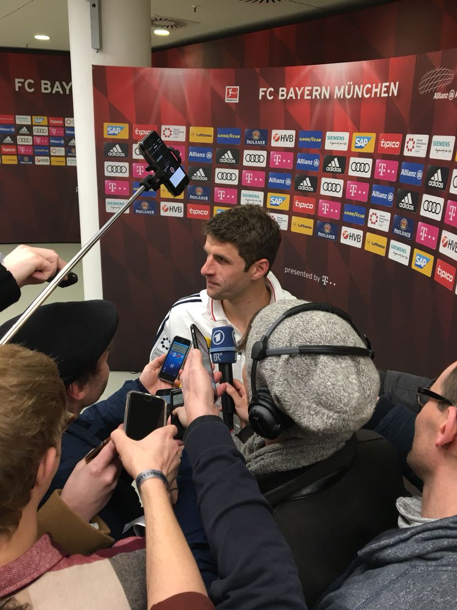 """After scoring his 100th #Bundesliga goal, @esmuellert_: """"A wonderful milestone, but we shouldn't dwell on it too long. Bremen made things difficult for us. They were well organised and strong on the break."""" #FCBSVW https://t.co/gMXULhSfYW"""
