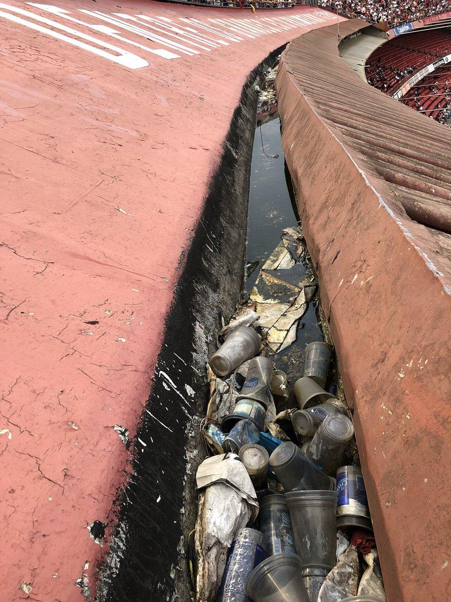 Governo Dória acha solução para o luxo de SP. Novo lixão no bairro do Morumbi. https://t.co/sXAQLpsWiR