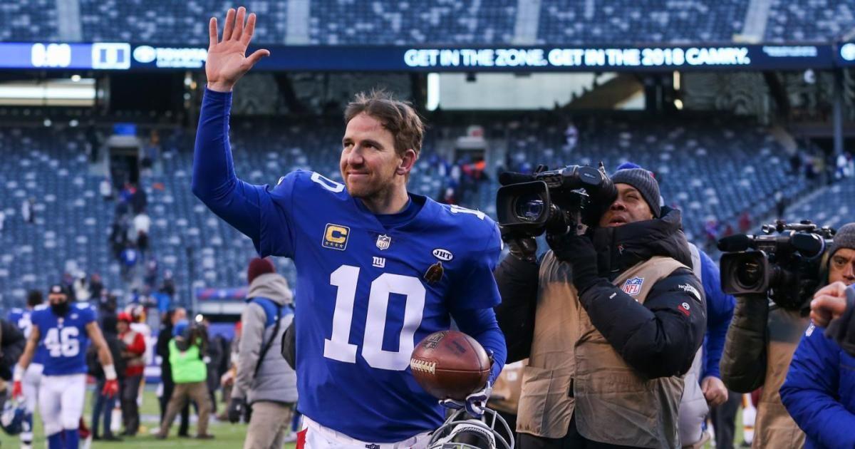 Eli Manning will reportedly return as the @Giants' starting quarterback next season https://t.co/uyf8Mj7GpO https://t.co/pZbdiNN65b