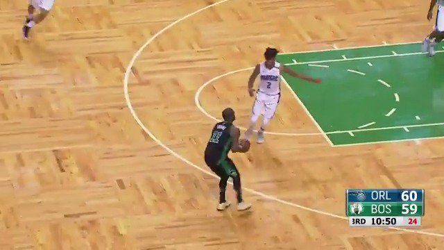 #KyrieIrving continues to have the ��✋!  #Celtics   Tune in for the second half for FREE: https://t.co/2pt5MyD8rh https://t.co/hOsN0ufW7q