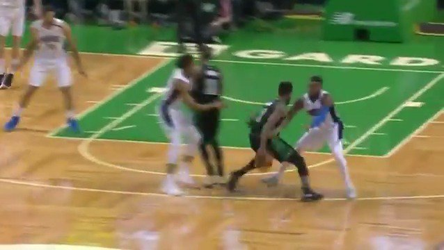 Jaylen Brown goes through the legs for the lay-in!  #Celtics https://t.co/mCIhrYPlSI