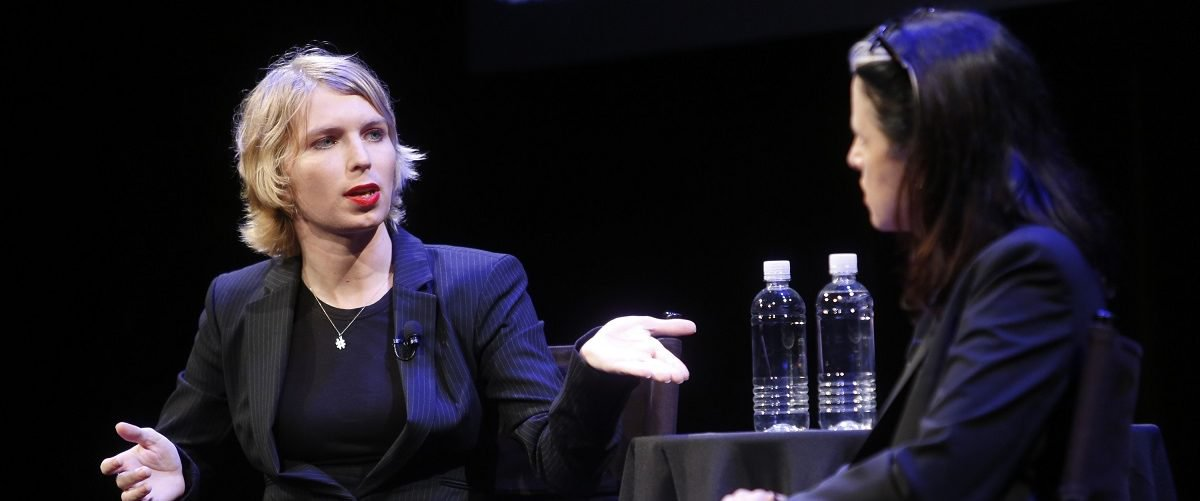 Former Military Lawyers: Chelsea Manning Subject To Prosecution For Running For Office https://t.co/Jg7GGWxwBg https://t.co/6l3rmMugW7