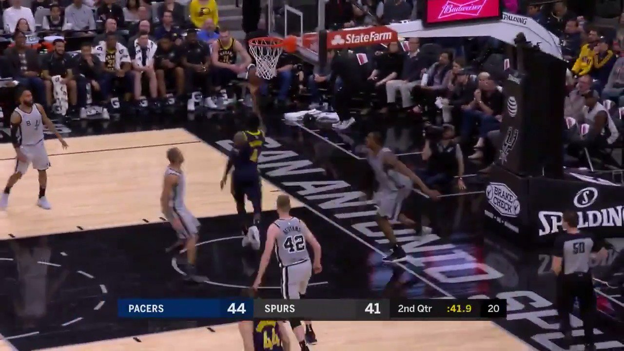 Oladipo speeds to the basket for the up and under!  #Pacers  ��: #NBALeaguePass https://t.co/XfVikHfCtE