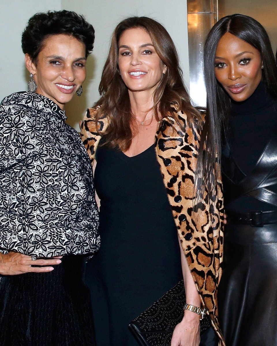 Loved coming together with old friends to remember our dear #AzzedineAlaia ❤️ https://t.co/KTEmrIMFWA https://t.co/0y1mBrKtc7