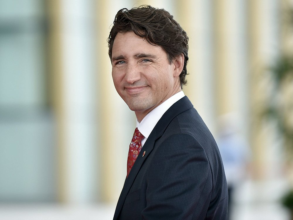Liberals quietly tap experts to craft new paternity leave policy