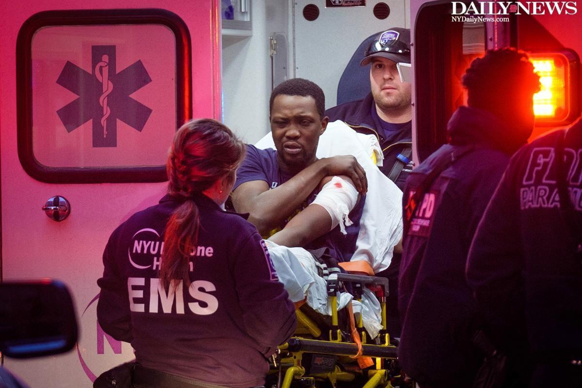 JUST IN: Three men shot outside a Midtown liquor store https://t.co/Tet6shiQ6G https://t.co/3AXk6pnGMN