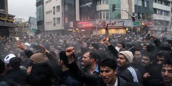 RT @Wesal_TV: ميدل ايست فوروم الأمريكية : انتفاضة #إيران كشفت الوجه الحقيقي لروحاني  https://t.co/1WWeIaHeFk https://t.co/4oVAYKUPKJ