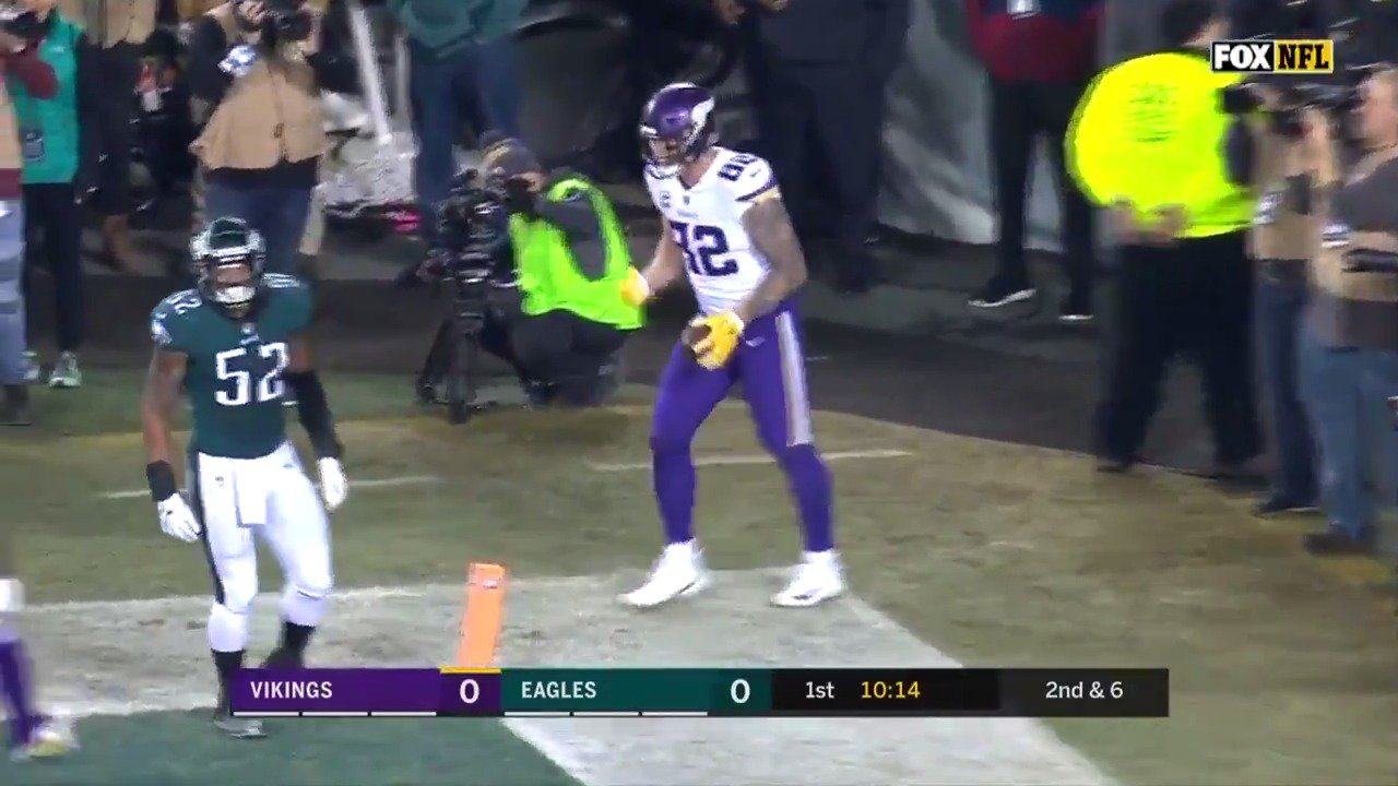 Starting things off with a 75-yard touchdown drive.  #BringItHome https://t.co/K6n1VaAZcX