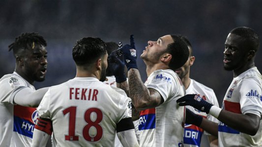 Memphis stunner shows PSG aren't perfect as Real Madrid loom