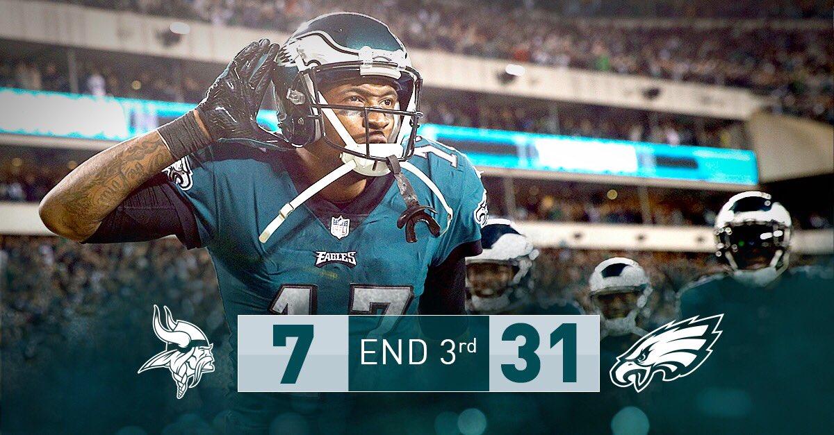 RT @Eagles: One quarter left.   #FlyEaglesFly https://t.co/t4kwpN7HnQ