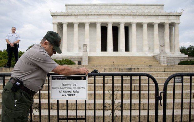 Government shutdown likely to continue into Monday as Senate struggles with solutions