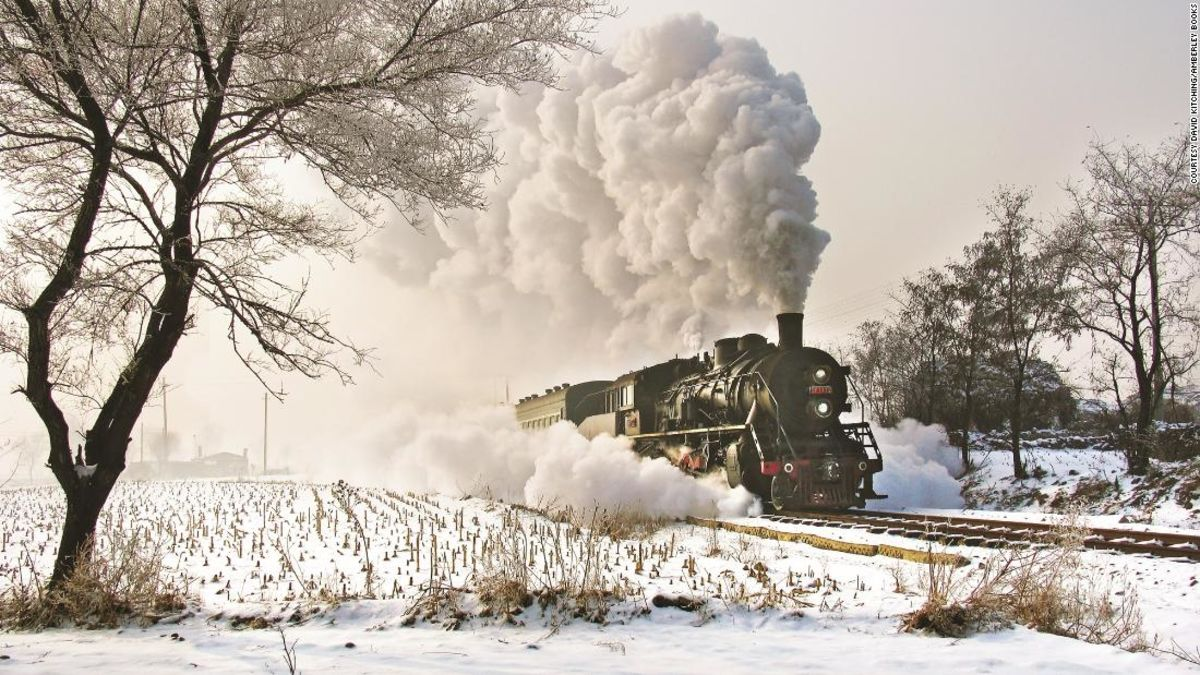 China's enduring love of steam trains