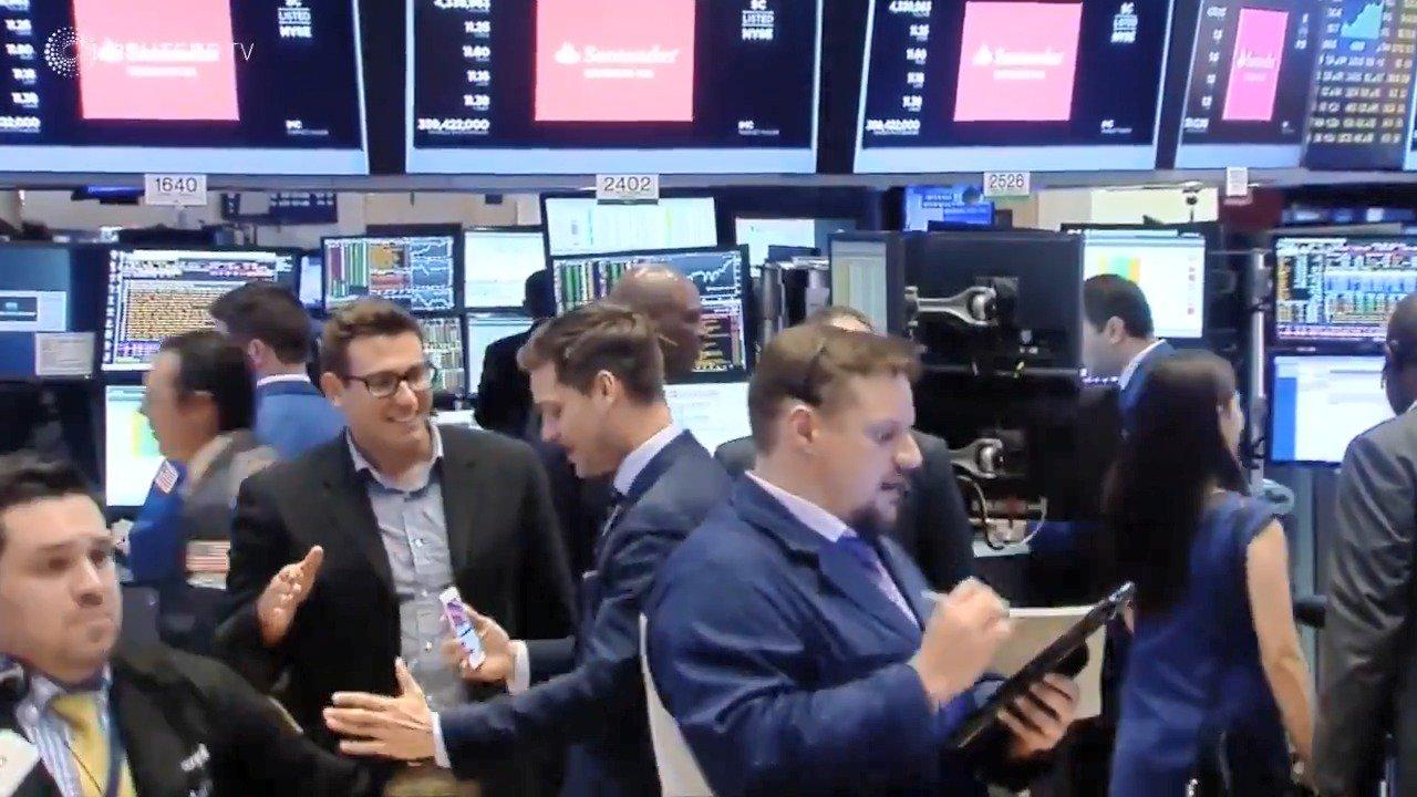 WATCH: Wall Street traders set for smaller bonuses, or none at all https://t.co/YlJ1AEk4S2 via @ReutersTV https://t.co/kato1KZTIY