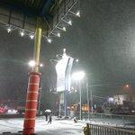 大雪のなかですがクロスポは休まず営業中です! さきほど子供たちが外で雪合戦を始めていました #ク...