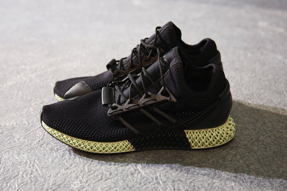 Y-3 debuts @JHarden13 collaboration & carbon 4D sneakers for FW18:   https://t.co/BRKOh4Xdtk https://t.co/gnQU2JiktG