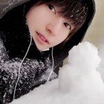 RT : 雪、降ったね❄️ 小さい雪だるまを作っていたら、自分が雪だ...