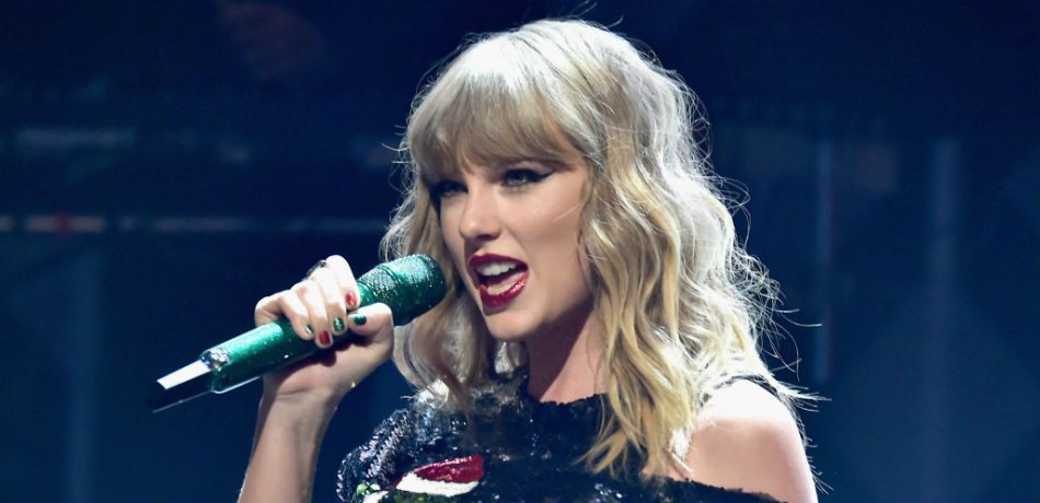 Taylor Swift Surprises Fan With Flowers On Her Wedding Day