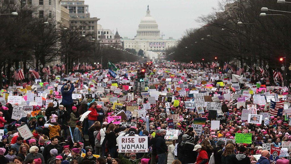 Global women's marches extend into second day https://t.co/pNwLce77ss https://t.co/GMWXma8VLb