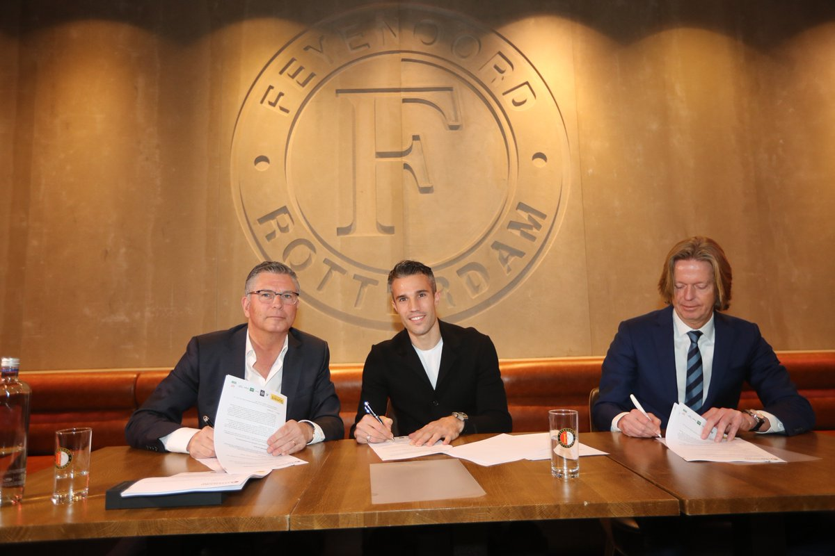 test Twitter Media - OFFICIEEL ✍️ | Robin van Persie is terug bij Feyenoord!   ➡️ https://t.co/FOBXtcHRft  #RVPISBACK https://t.co/FepTTX8wnH