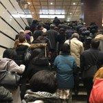 RT : 西武新宿駅、入場規制で改札は遥かに遠い!花屋横の階段まで詰まってる ht...