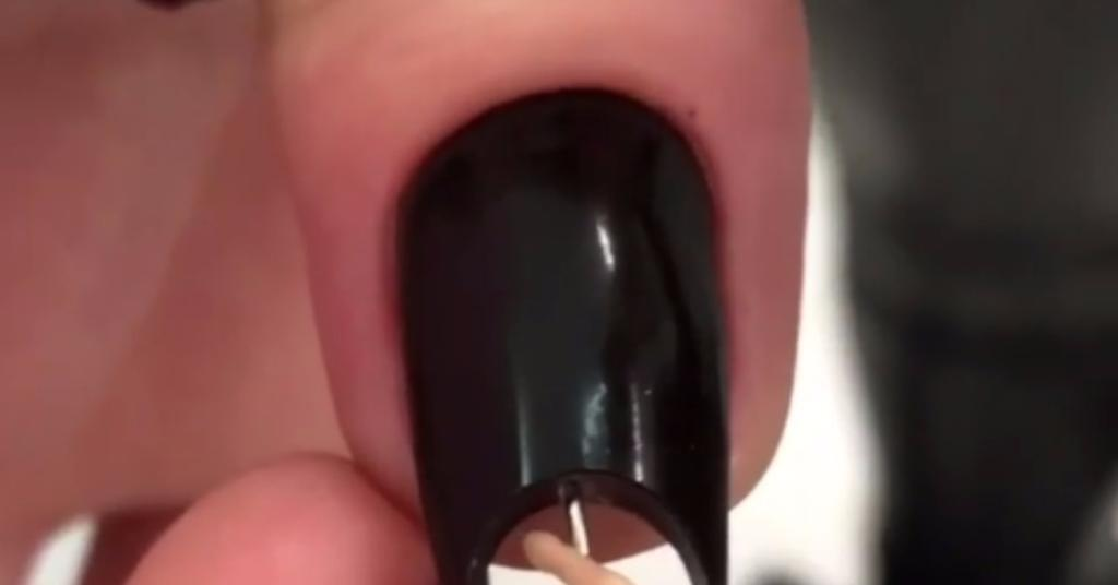 These pole dancer nails are the least practical manicure you'll ever see