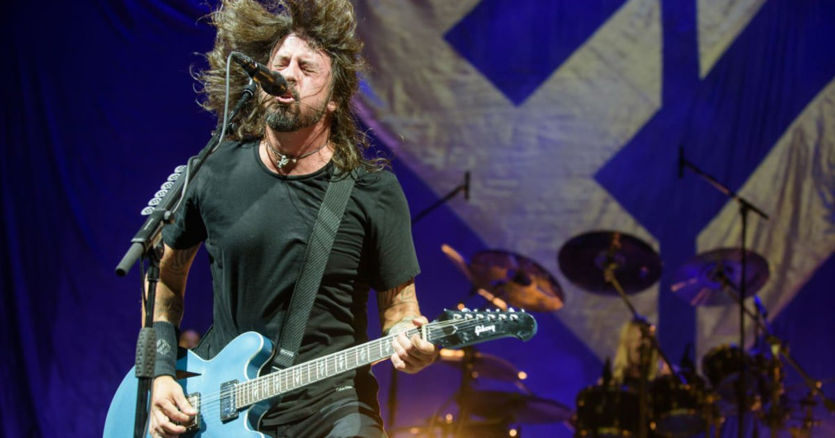 Foo Fighters have added six shows to their 'Concrete and Gold' tour https://t.co/J9lq9lP8oo https://t.co/s4fOUJwq8b