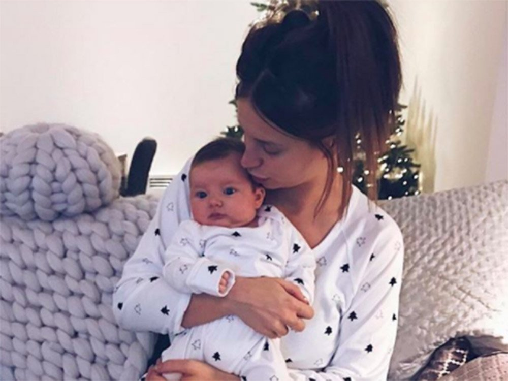New Mum Ferne McCann Shows Off The Results Of Her Dramatic Hair Transformation