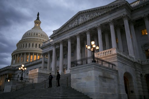 Senate talks fall short, shutdown extends into workweek: https://t.co/lbJgOHfvPT #GMRVA https://t.co/d0Xl2KOe0g