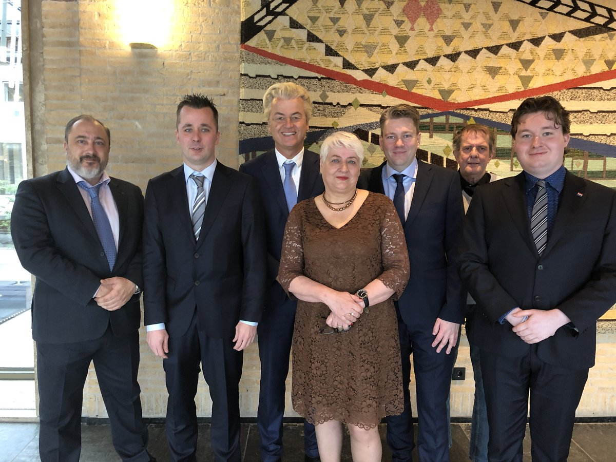 In het prachtige Gelderland!  Toplijst PVV-Arnhem olv lijsttrekker Coen Verheij!  Succes op 21 maart!  #StemPVV https://t.co/2F5PSzYsgv