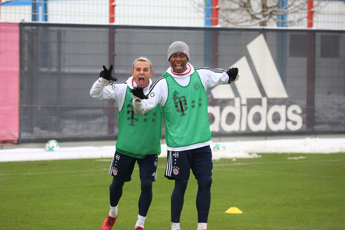 ✌😆😝#MiaSanMia 🇧🇷🇦🇹 https://t.co/zFwORA6HrL