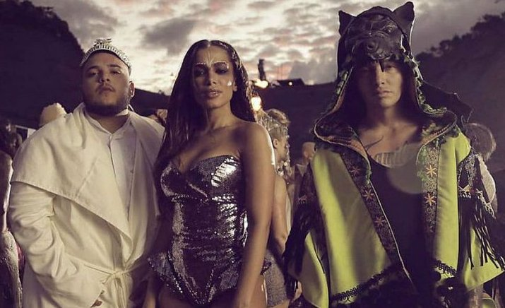 La sensación de la favela! Anitta divulga trecho cortado do clipe de 'Machika': https://t.co/SmH6fDNrpk https://t.co/wtnDTtsAaK