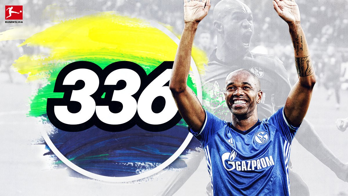 Our man #Naldo is now tied for all-time record appearances by a Brazilian in the #Bundesliga with Zé Roberto​! 🇧🇷🙌 #s04 https://t.co/dFN8BeU3e5