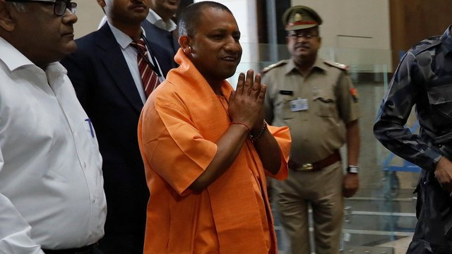 Karni Sena meets Yogi Adityanath, asks UP CM to get Padmaavat banned by Centre  https://t.co/xvb4pEOrUq https://t.co/O9fVeO25NE
