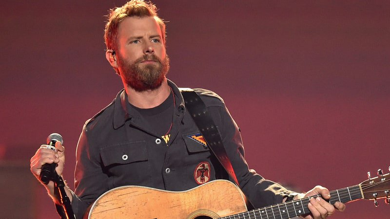 Dierks Bentley will launch the 2018 Mountain High Tour in May https://t.co/42L10Tq8eM https://t.co/xqK6VXR8O4